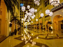Hotelllobby i Dubai Royaltyfri Fotografi