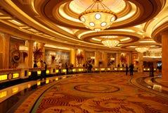 hotelllobbylyx fotografering för bildbyråer