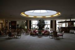 Hotelllobbyrum, rund takfönster, inregarnering Royaltyfri Foto