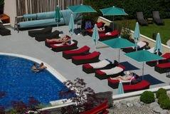 Hotellpöl på Ã-‰ vian-les-Bains arkivfoton