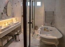 Hotellrum på hotellet B i Lima royaltyfria foton