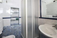 Hotelowy łazienki wnętrze Fotografia Royalty Free