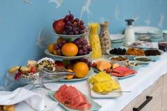 Hotelowy śniadaniowy bufeta zbliżenie obraz royalty free
