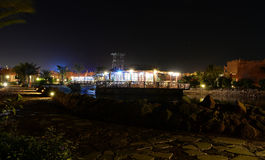 Hotelrestaurant bij nacht Stock Foto