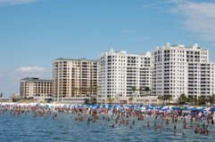 Hotels auf dem Strand Lizenzfreies Stockfoto
