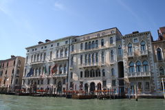 Hotels auf Grand Canal in Venedig Stockbilder
