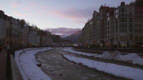 Hotels auf Rosa Valley 560 Meter über Meeresspiegelmitte von Skiortvorratgesamtlänge timelapse Video stock video footage