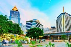 Hotels und Gebäude im im Stadtzentrum gelegenen SIlom-Bereich stockfotos