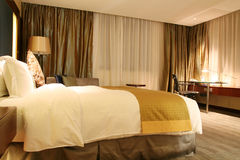 Hotelschlafzimmer Lizenzfreies Stockbild