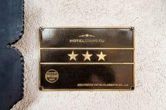 Hotelstars logotype della facciata dell'hotel dell'Eu Fotografia Stock Libera da Diritti
