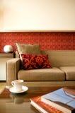 Hotelsuitewohnzimmer mit Innenarchitektur Stockfotografie