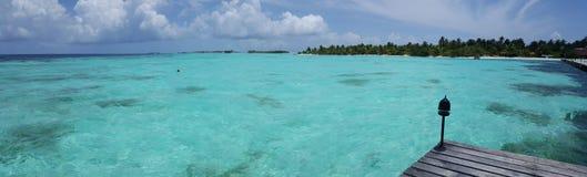 Hoteltoevlucht in de Maldiven Stock Afbeeldingen