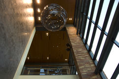 Hotelu kuluarowy podsufitowy oświetlenie zdjęcie stock