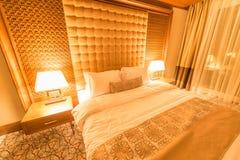 Hotelzimmer mit modernem Innenraum Lizenzfreie Stockfotos