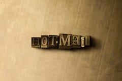 HOTMAIL - Nahaufnahme des grungy Weinlese gesetzten Wortes auf Metallhintergrund Lizenzfreie Stockbilder