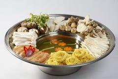 Hotpot с продуктами моря и грибом Стоковая Фотография