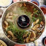 Hotpot grönsak, nötkött och griskött Royaltyfria Bilder
