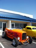 Hotrod orange avec des flammes Photos stock