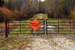 Houd poort gesloten teken royalty-vrije stock foto's