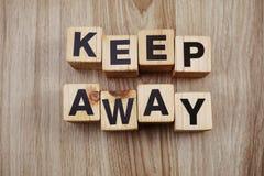 Houd weg houten brievenalfabet royalty-vrije stock fotografie
