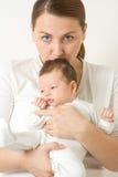Houdende van moeder met baby royalty-vrije stock afbeeldingen