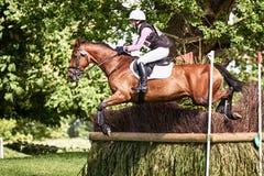 Houghton internationella hästförsök Becky Woolven som rider Dhi Bab Arkivfoto