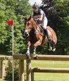 Houghton internationella hästförsök Caroline March som rider Barric Arkivfoton
