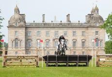 Houghton internationella hästförsök Helen Shaw som rider Glenmiskan Royaltyfri Foto
