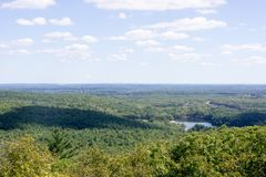 Houghton` s vijver vanaf de bovenkant van Grote Blauwe Heuvel royalty-vrije stock foto's