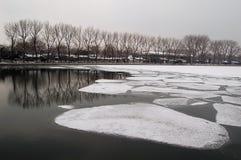 Houhai湖,北京在早期的春天 库存照片