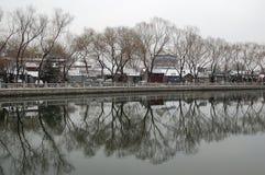 Houhai após a neve na mola adiantada fotografia de stock royalty free