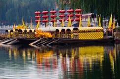 Houhai Lake Tourboats Beijing, Kina Arkivfoto