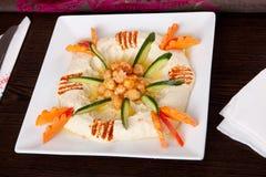Houmous沙拉,开胃菜 免版税库存照片