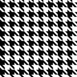 Houndstooth检查黑&白色织品样式纹理 免版税库存照片