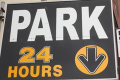 24 Hour Park Sign. In city setting Royalty Free Stock Images