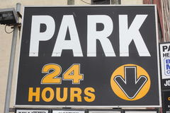 24 Hour Park Sign Royalty Free Stock Photos