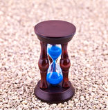 Hourglass auf Kies Lizenzfreie Stockfotos