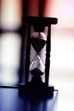Hourglass com fundo moderno imagem de stock royalty free