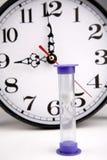 Hourglass e pulso de disparo imagem de stock royalty free