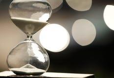 Hourglass moderno Símbolo do tempo countdown fotos de stock