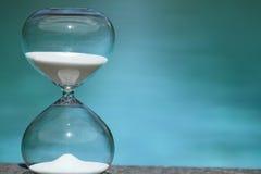 hourglass nowożytny Symbol czas odliczanie Fotografia Stock