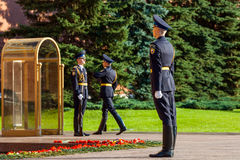Hourly change of the Presidential guard of Russia at the Tomb of Unknown soldier. MOSCOW, RUSSIA - SEPTEMBER 02, 2016: Hourly change of the Presidential guard of Royalty Free Stock Photos