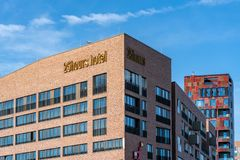 The 25hours hotel and Cinnamon Tower in the HafenCity of Hamburg stock photography