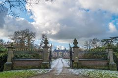 Castle Huize Almelo with access road in Almelo stock photography