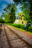 House along railroad tracks in Portland, Pennsylvania. Stock Photo