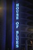 House of Blue霓虹灯广告 免版税库存图片