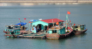 House boat in Ha Long Bay near Cat Ba island, Vietnam Royalty Free Stock Photos