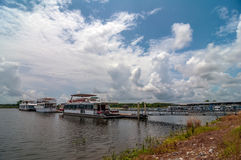 House boats parked Royalty Free Stock Photos