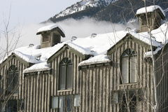 House in canadian mountains. British columbia mountains in winter, canada Royalty Free Stock Photos