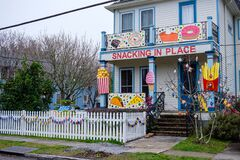 Free House Decorated For Mardi Gras Royalty Free Stock Photography - 210011697
